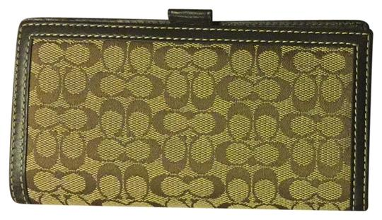 Preload https://item1.tradesy.com/images/coach-coach-check-wallet-3105460-0-0.jpg?width=440&height=440