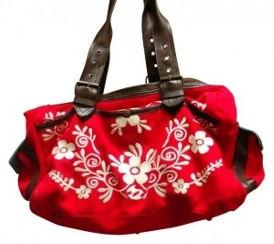 Preload https://img-static.tradesy.com/item/31064/billabong-floral-print-red-hobo-bag-0-0-540-540.jpg