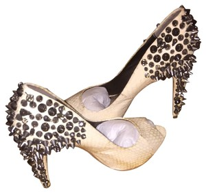 Sam Edelman Embellished Sexy Heels Studded Rockstud Trendy Stylish Peep Toe Leather White Pumps