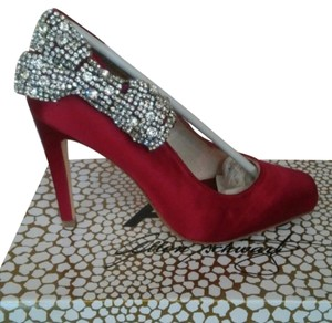 A.B.S. by Allen Schwartz Crystal Bridal Classic Elagant Red Wine Size 8 Size 8.5 Burgundy Pumps
