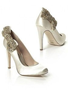 A.B.S. By Allen Schwartz Bridal Crystal Bow Pumps Wedding Shoes
