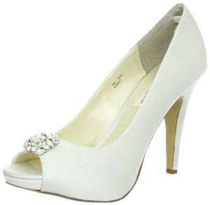 Coloriffics Bridal Wedding Elegant White Pumps
