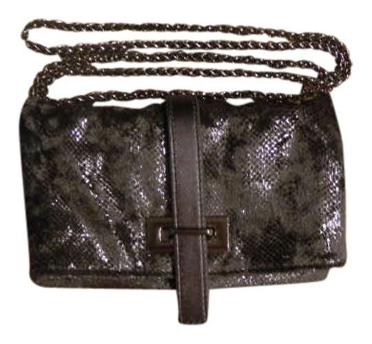 Preload https://item2.tradesy.com/images/gap-chain-shiny-cute-leathertrim-silvermetallic-96-polyester-4-spandex-cross-body-bag-311056-0-0.jpg?width=440&height=440
