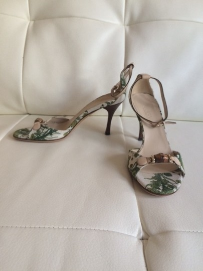 Gucci Green and cream Sandals