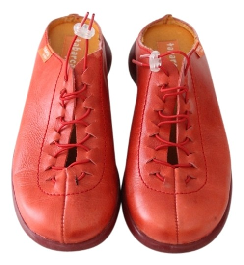 Preload https://item3.tradesy.com/images/tabarca-by-pepa-leather-slides-clogs-red-flats-3111547-0-0.jpg?width=440&height=440