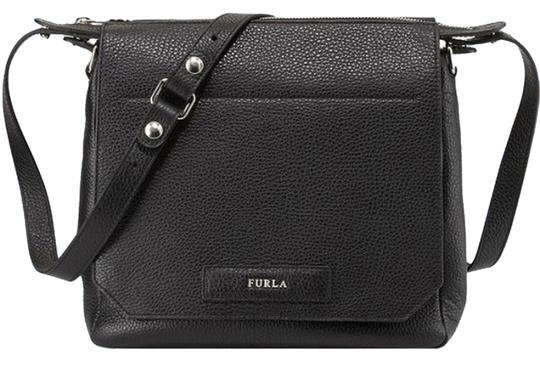 Preload https://item1.tradesy.com/images/furla-patty-purse-black-leather-cross-body-bag-3111580-0-0.jpg?width=440&height=440