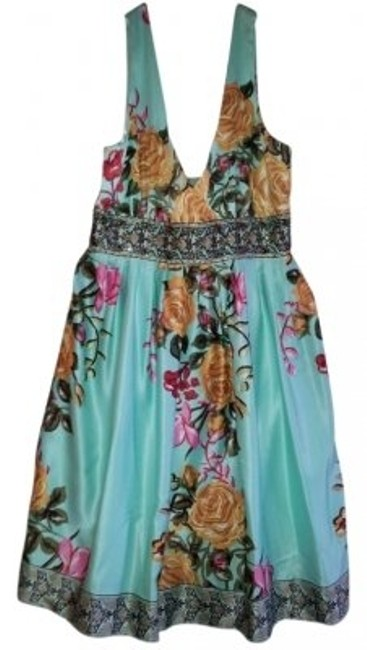 Preload https://img-static.tradesy.com/item/31116/forever-21-sea-foam-green-with-flowers-printed-on-t-above-knee-cocktail-dress-size-2-xs-0-0-650-650.jpg