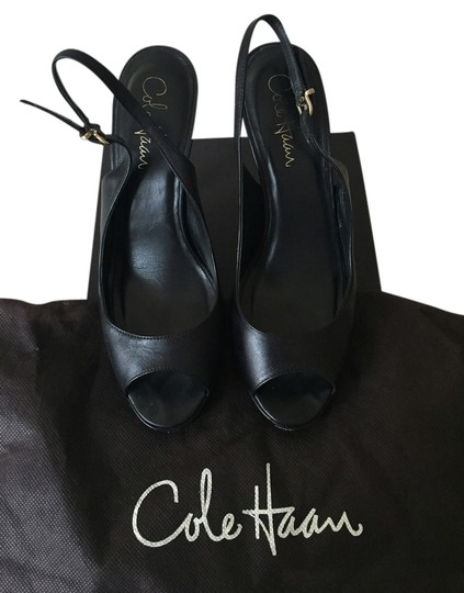 Preload https://item4.tradesy.com/images/cole-haan-black-classic-leather-sandals-platforms-size-us-7-regular-m-b-3114403-0-0.jpg?width=440&height=440