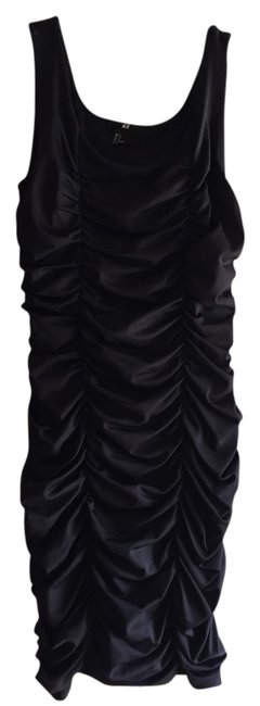 Preload https://item2.tradesy.com/images/h-and-m-black-night-out-dress-size-4-s-3114451-0-0.jpg?width=400&height=650