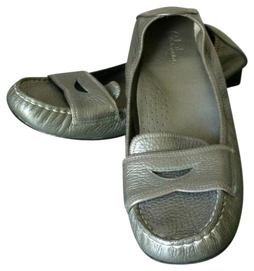 Preload https://item3.tradesy.com/images/cole-haan-leather-silver-flats-3115582-0-0.jpg?width=440&height=440