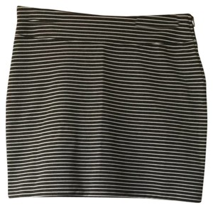 Gap Skirt Dark Grey and White