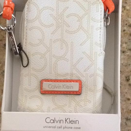 Macy's Wristlet in White And Orange