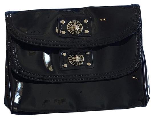 Preload https://item5.tradesy.com/images/marc-by-marc-jacobs-double-lock-black-patent-leather-clutch-3117064-0-0.jpg?width=440&height=440