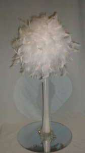 Feathers White 8 Balls Reception Decoration