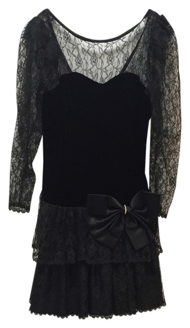 Preload https://item1.tradesy.com/images/steppin-out-black-vintage-above-knee-cocktail-dress-size-10-m-3122020-0-0.jpg?width=400&height=650
