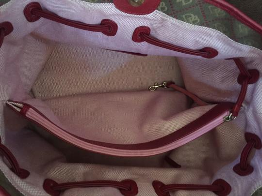 Dooney & Bourke Travel Leather Red Tote in Brown/Cream/Brick