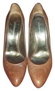 BCBGMAXAZRIA Leather Heels Size 38 Gently Used Brown Pumps