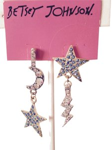 Preload https://item4.tradesy.com/images/betsey-johnson-silverblue-stargazer-multi-color-rhinestone-dangle-earrings-only-matching-pieces-sold-3122653-0-0.jpg?width=440&height=440