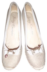 Juicy Couture Size 8 Wedge Beige Wedges