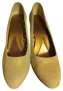 Kensie Leather Gold Wedges