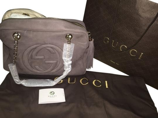 Preload https://item1.tradesy.com/images/gucci-soho-chain-grey-suede-shoulder-bag-3126910-0-0.jpg?width=440&height=440