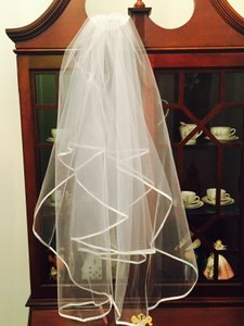 White Fingertip Length Veil