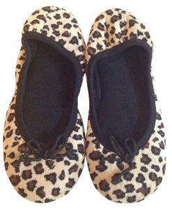 Charter Club New charter club comfy leopard print slippers