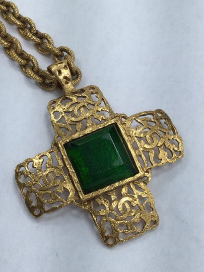 Chanel CHANEL EMERALD CROSS NECKLACE