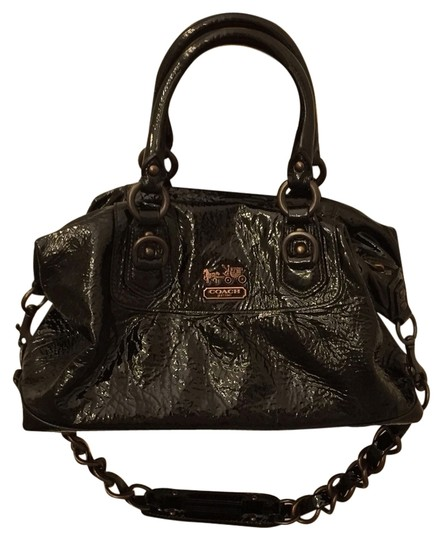 Preload https://item1.tradesy.com/images/coach-black-patent-leather-hobo-bag-3134065-0-0.jpg?width=440&height=440