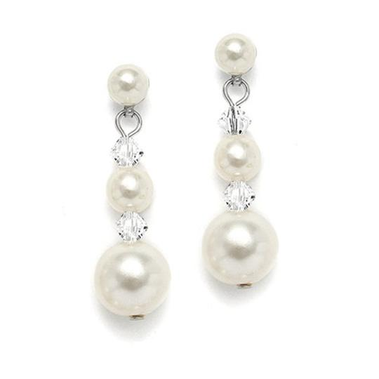 Preload https://item1.tradesy.com/images/mariell-silver-graduated-pearl-crystal-2113e-earrings-3134125-0-0.jpg?width=440&height=440