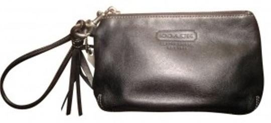 Preload https://item4.tradesy.com/images/coach-black-leather-wristlet-31353-0-0.jpg?width=440&height=440