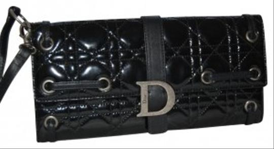 Preload https://img-static.tradesy.com/item/31375/christian-dior-cannage-patent-leather-wristlet-clutch-black-31375-0-0-540-540.jpg
