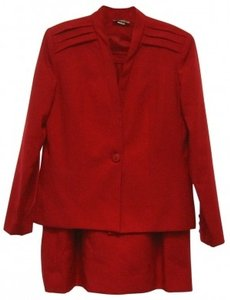 Casual Corner RED SUMMER SUIT/LIKE NEW