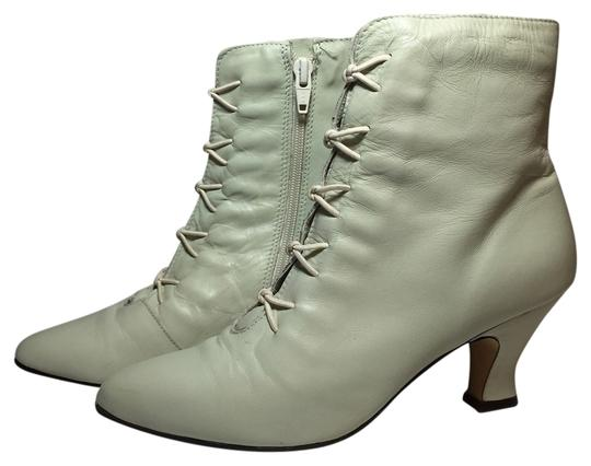 Preload https://item4.tradesy.com/images/poppies-boots-3155293-0-0.jpg?width=440&height=440