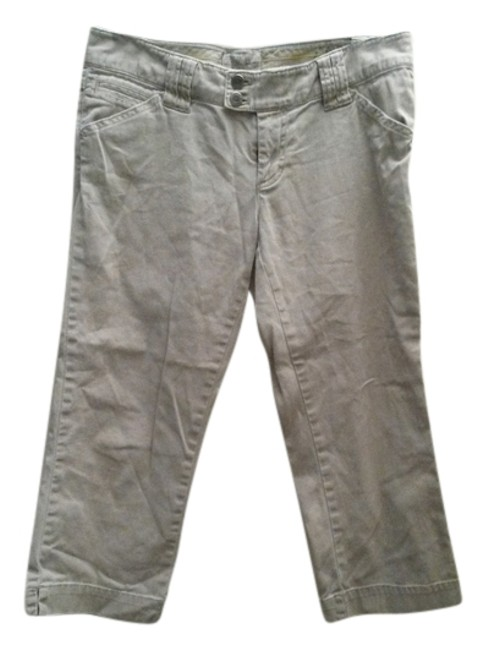 Preload https://item2.tradesy.com/images/american-eagle-outfitters-khaki-capris-size-4-s-27-3158041-0-0.jpg?width=400&height=650