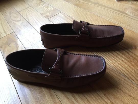 Tod's Mens Leather Loafers Hand Stitching Rubber Embossed Pepples brown Flats