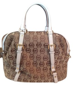 Michael Kors Satchel in Tan/White