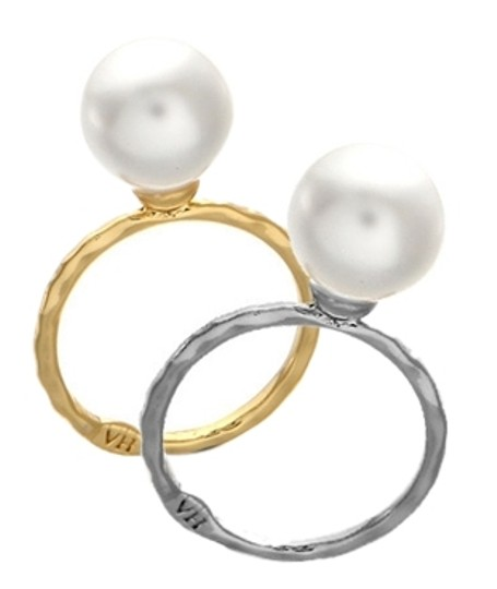 Preload https://item1.tradesy.com/images/gold-and-pearl-vintage-hollywood-plated-with-ring-3159565-0-0.jpg?width=440&height=440