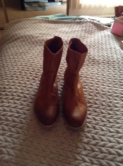 Boutique 9 Western Inspired Soft Leather Pull-on Medium Brown Boots