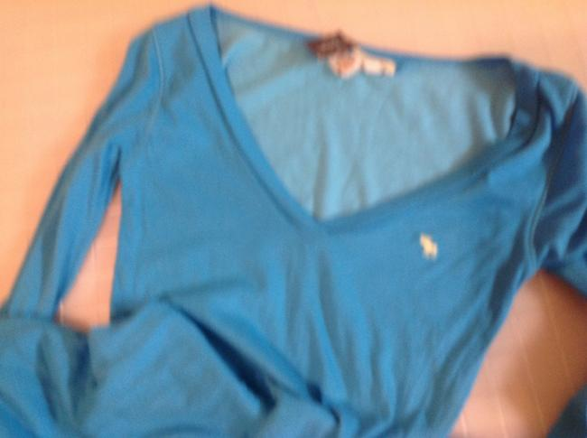 Abercrombie & Fitch A&f V Neck Blue Skinny Long Sleeves T Shirt