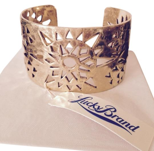 Preload https://item5.tradesy.com/images/lucky-brand-gold-aztec-gold-tone-openwork-cuff-bracelet-3168004-0-0.jpg?width=440&height=440