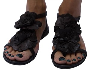 Janet & Janet Soho Chic Black Sandals
