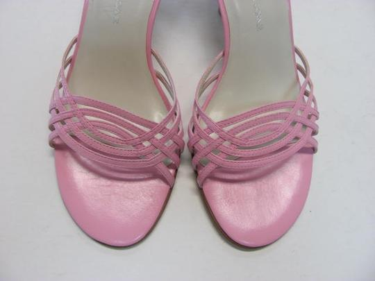 Casual Corner Excellent Condition Leather Size 5.50 M pink Sandals