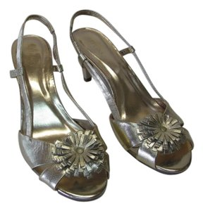 Merona New Leather Upper Excellent Condition gold Formal
