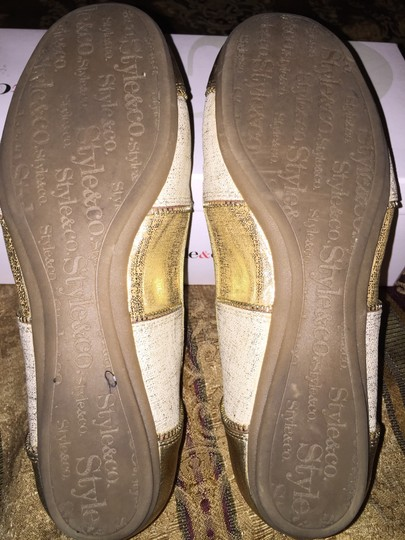 Style & Co Gold Flats