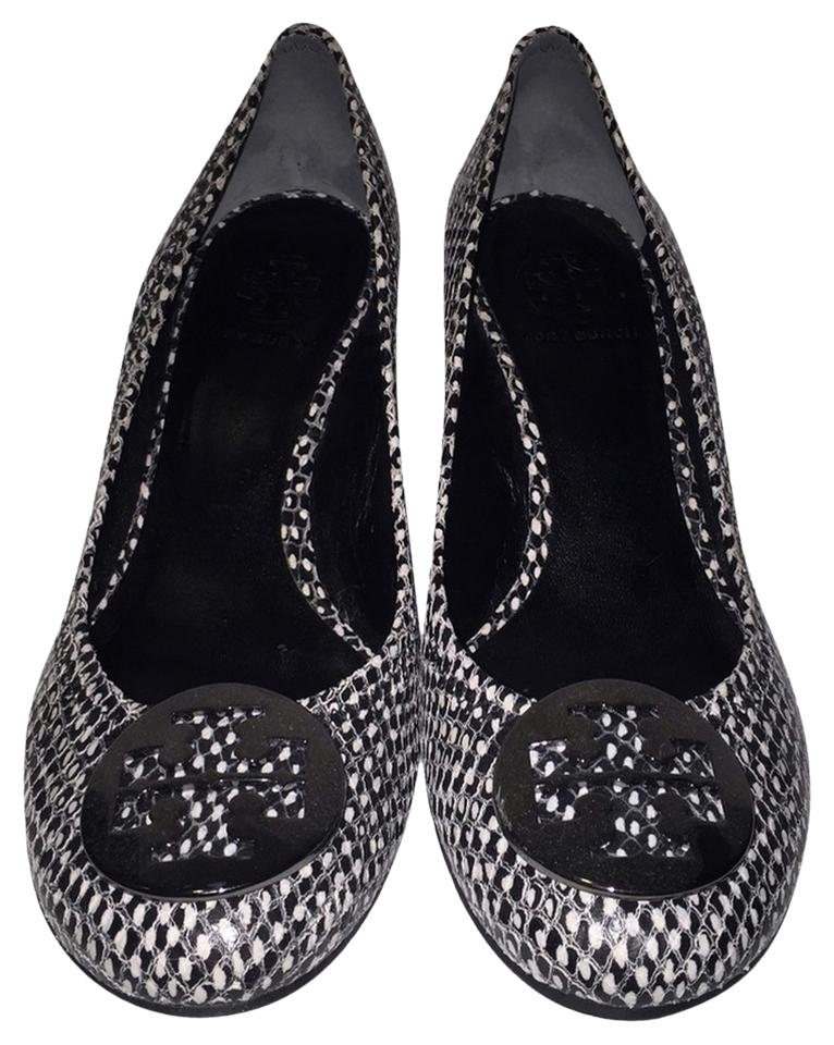 d9daab0d5053 Tory Burch Black and White Wedges Size US 8 Regular (M