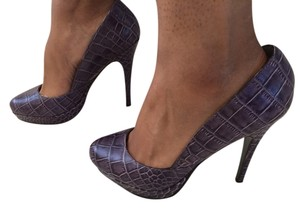 Charles David Purple Pumps