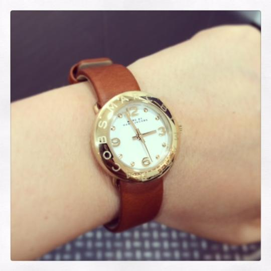 Marc by Marc Jacobs Marc by Marc Jacobs Women's MBM8575 Amy Gold-Tone Watch with Brown Leather Band