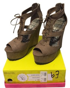 Charlotte Russe Taupe PU Wedges