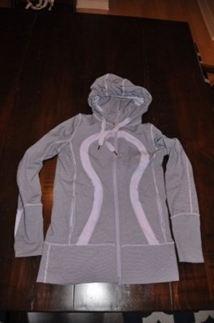 Preload https://item5.tradesy.com/images/lululemon-lilac-hoodie-activewear-size-6-s-31884-0-0.jpg?width=400&height=650